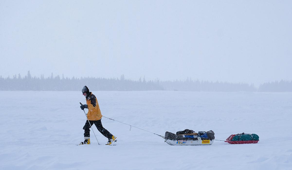 Skieur traverse lac - Froid Abitibi360