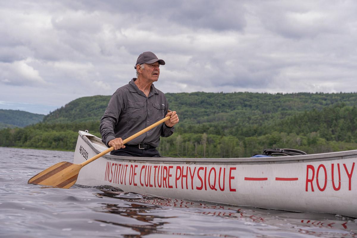 Paul Lemay sur son canot - Pagaie Abitibi360